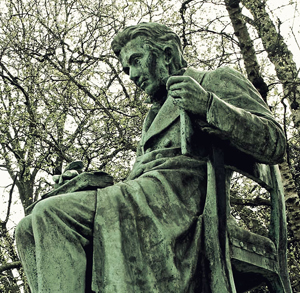 comparison of machiavelli and confucius 2018-8-25 according to the biography, during the course of their conversations laozi told confucius to give up his prideful ways and seeking of power.